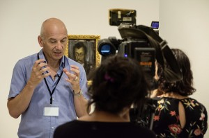 Phil Grabsky filming EOS Young Picasso © EXHIBITION ON SCREEN